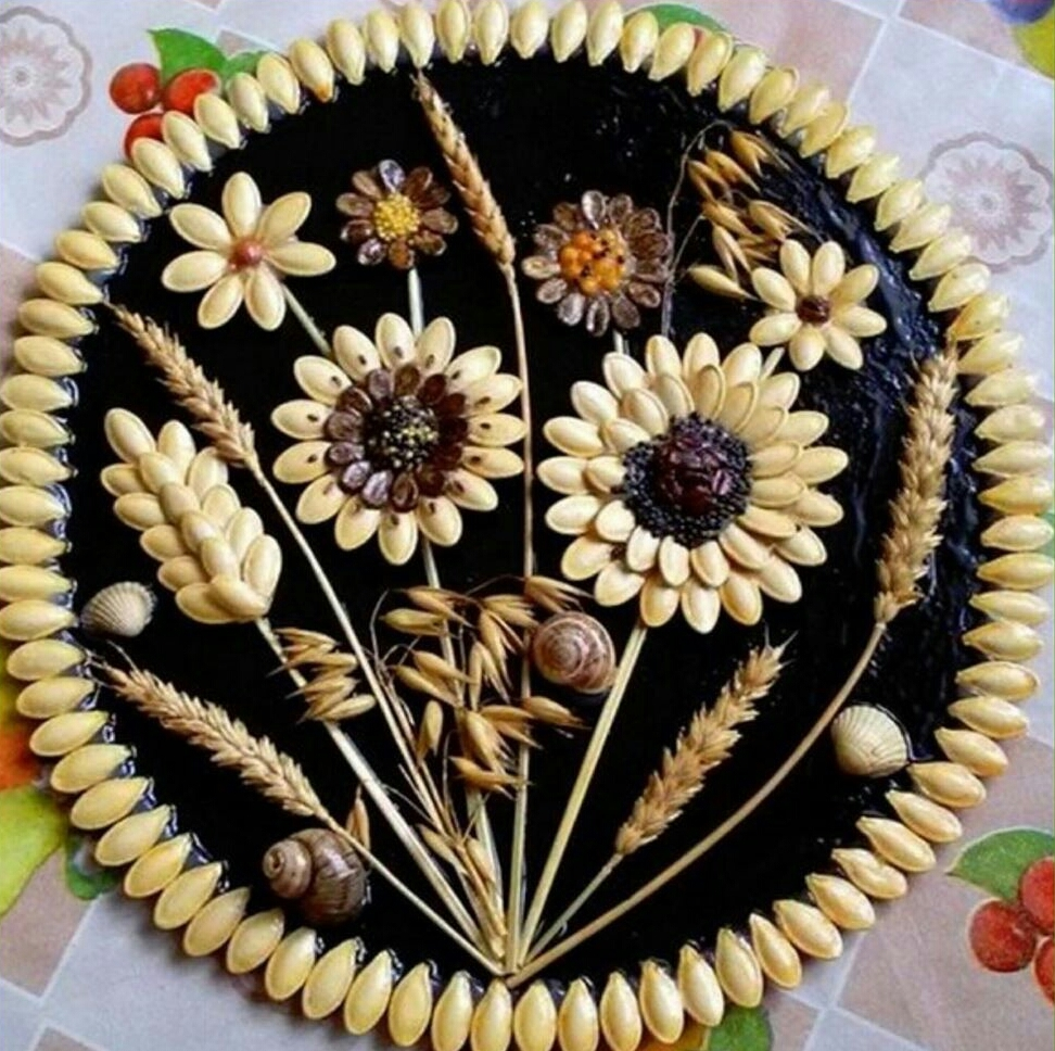 Поделки из тыквенных семечек панно