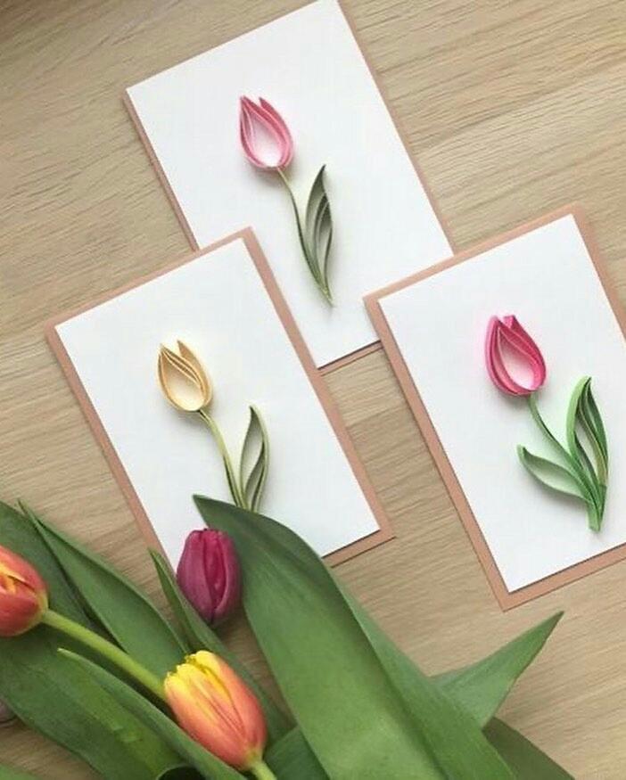 Открытка в технике квиллинг на 8 марта тюльпан
