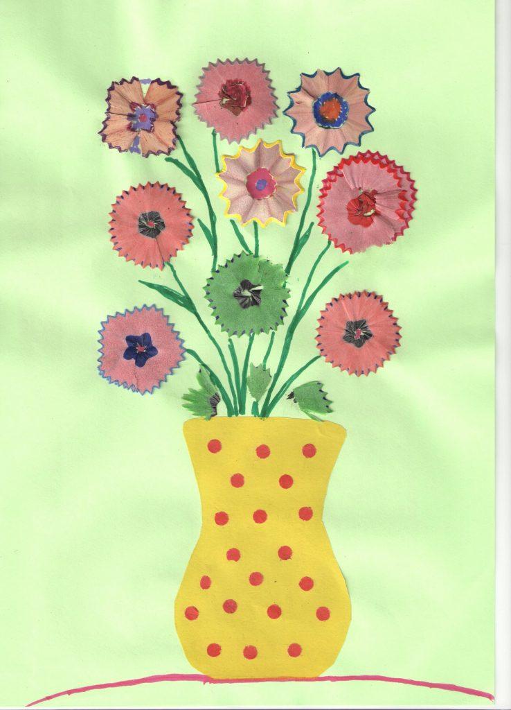 Аппликации букет цветов  из карандашной стружки для детей